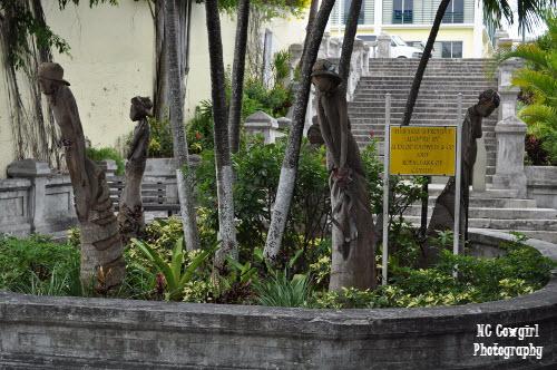 Women Statues in Nassau
