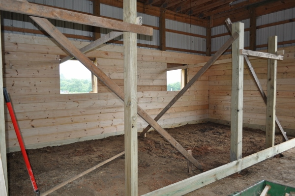 horse stall outside wall